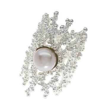 кольцо кора с жемчугом из серебра s210540011