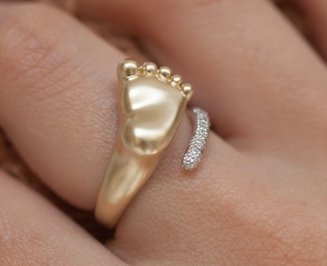 Кольцо Пяточка с бриллиантами из желтого золота 10770
