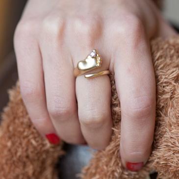 Кольцо Пяточка с цветком и бриллиантом из желтого золота 10780