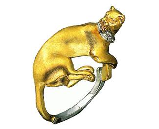 Золотое кольцо с бриллиантами.